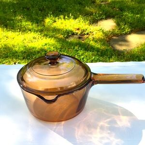Visions Corning 1 Quart Spouted Saucepan With Lid